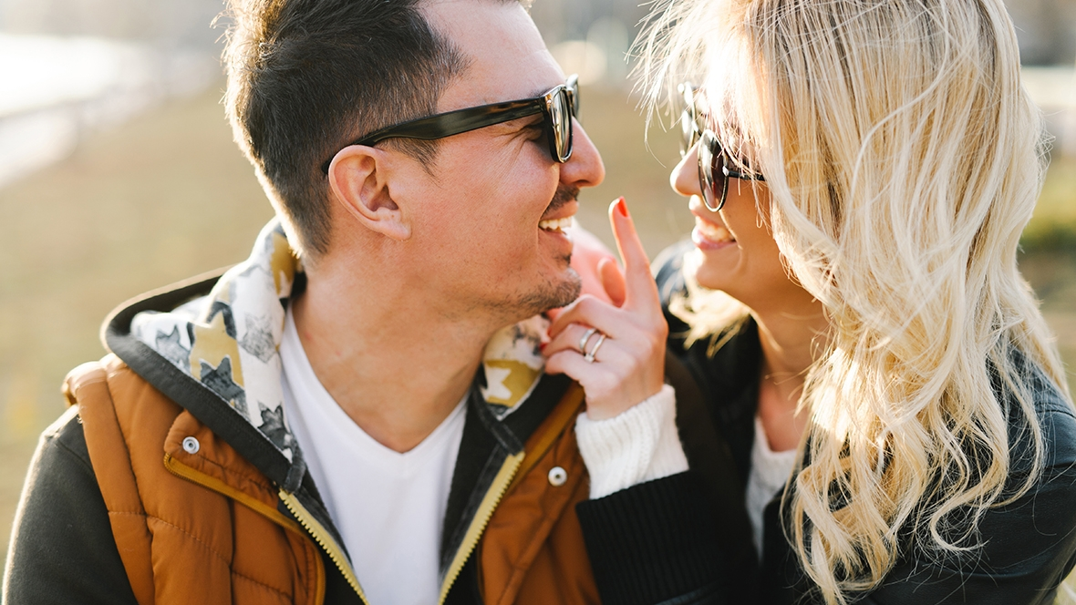 Signs a Gemini Man Is Falling In Love with You: How to Be Sure